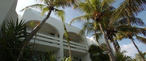 24 hours reception. Maya Caribe Beach House Hotel